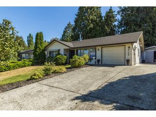 "Photo 1: 3762 DUNSMUIR Way in Abbotsford: Abbotsford East House for sale in ""Bateman Park"" : MLS®# R2101080"