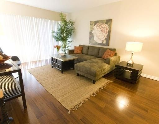 Main Photo: 202 2025 W. 2nd Ave. in Vancouver: Kitsilano Condo for sale (Vancouver West)  : MLS®# V717250