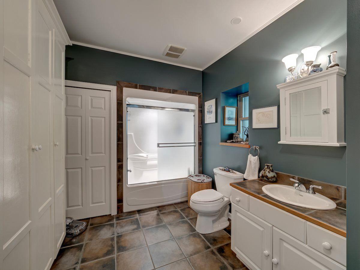 Photo 16: Photos: 2595 SYLVAN Drive: Roberts Creek House for sale (Sunshine Coast)  : MLS®# R2481642