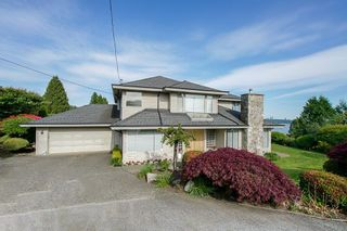 Photo 1: 1730 26th Street in West Vancouver: Dundarave House for sale : MLS®# R2375984