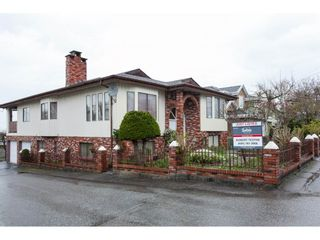 Photo 2: 913 GILMORE Avenue in Burnaby: Willingdon Heights House for sale (Burnaby North)  : MLS®# R2255801