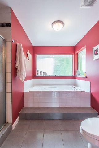 """Photo 13: 1026 PIA Road in Squamish: Garibaldi Highlands House for sale in """"Garibaldi Highlands"""" : MLS®# R2271862"""