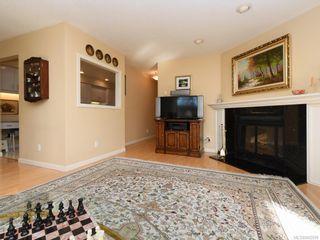 Photo 4: 203 920 Park Blvd in Victoria: Vi Fairfield West Condo for sale : MLS®# 842099