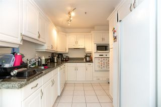 """Photo 7: 364 TAYLOR Way in West Vancouver: Park Royal Townhouse for sale in """"THE WESTROYAL"""" : MLS®# R2576775"""