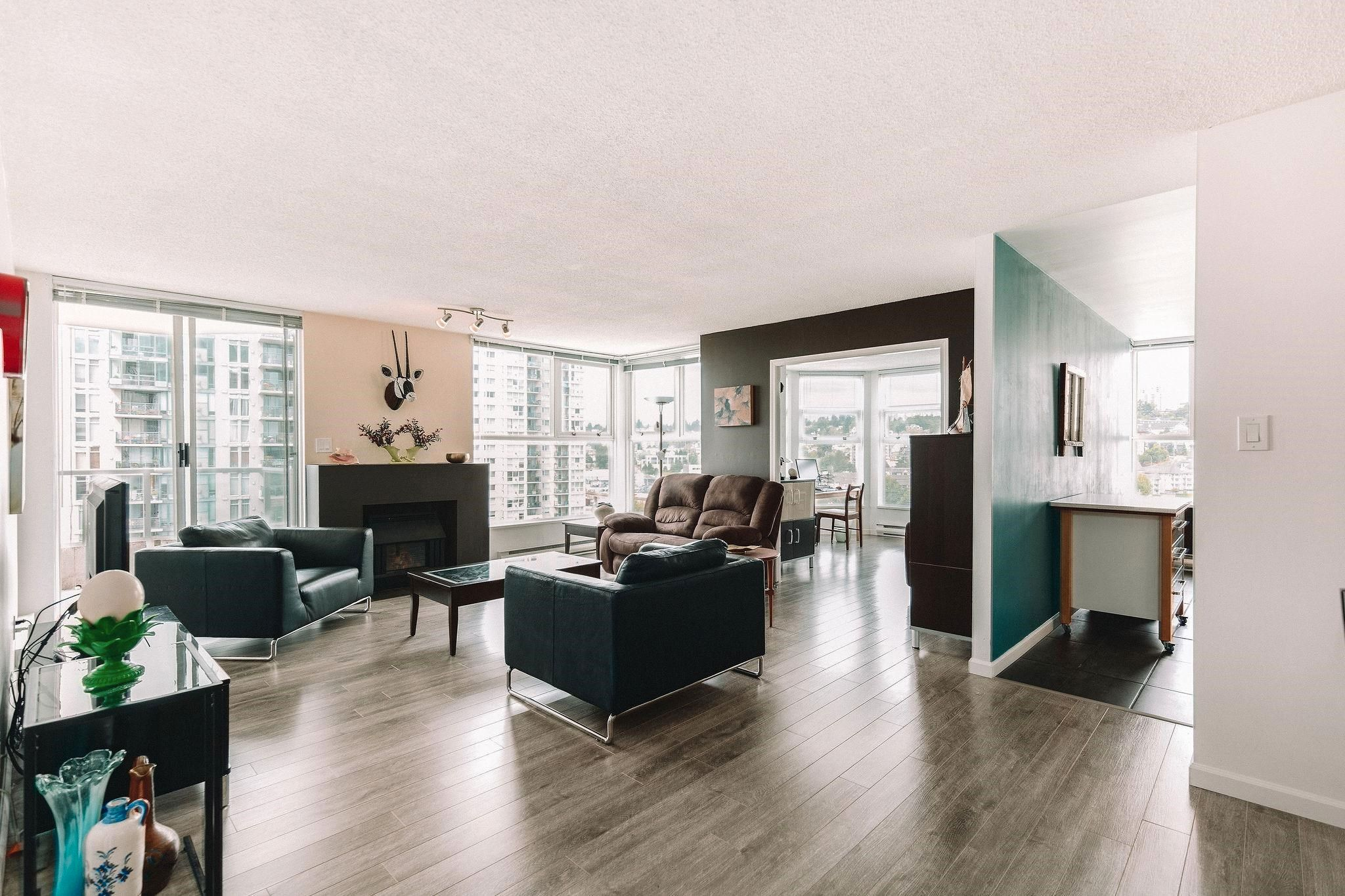 """Main Photo: 1206 1250 QUAYSIDE Drive in New Westminster: Quay Condo for sale in """"Promenade"""" : MLS®# R2614356"""