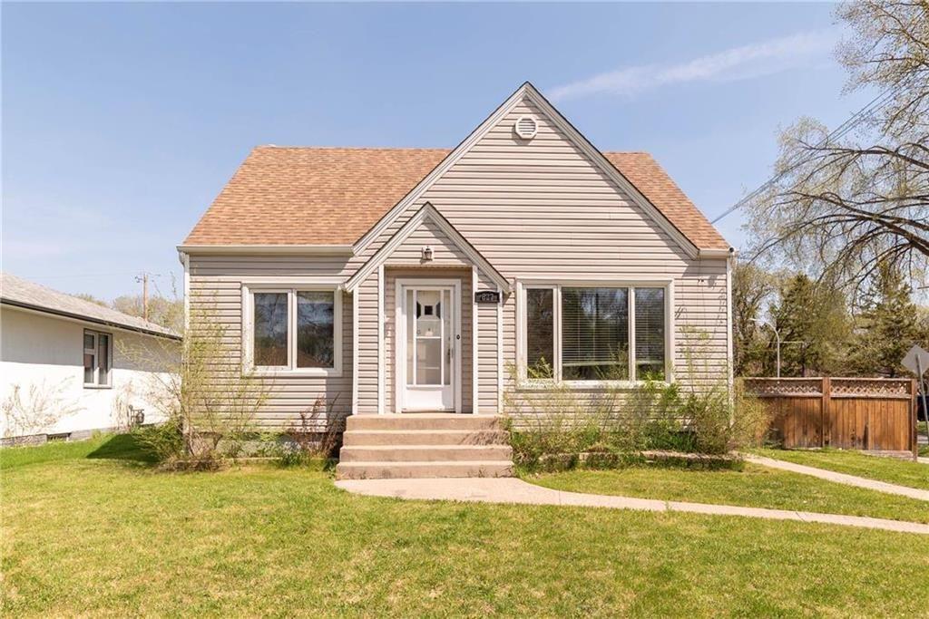 Main Photo: 627 Matheson Avenue in Winnipeg: West Kildonan Residential for sale (4D)  : MLS®# 202010713