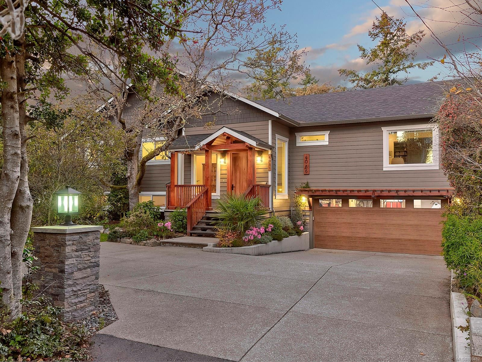 Photo 44: Photos: 4086 Monarch Pl in : SE Arbutus House for sale (Saanich East)  : MLS®# 859482