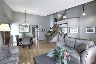 Photo 5: 111 HAWKHILL Court NW in Calgary: Hawkwood Detached for sale : MLS®# A1022397