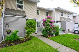 Photo 3: 44 5307 204 STREET in Langley: Langley City Townhouse for sale : MLS®# R2461539