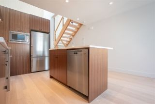 "Photo 9: 1676 ARBUTUS Street in Vancouver: Kitsilano Townhouse for sale in ""ARBUTUS COURT"" (Vancouver West)  : MLS®# R2527219"