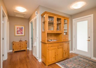 Photo 17: 127 Wedgewood Drive SW in Calgary: Wildwood Detached for sale : MLS®# A1056789