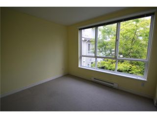 "Photo 7: 6711 VILLAGE Grove in Burnaby: Highgate Townhouse for sale in ""MONTEREY"" (Burnaby South)  : MLS®# V849378"