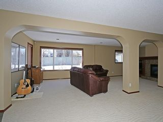 Photo 31: 812 RIVERVIEW Place SE in Calgary: Riverbend House for sale : MLS®# C4172645