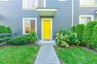 Photo 3: 8 16337 15 Avenue in Surrey: King George Corridor Townhouse for sale (South Surrey White Rock)  : MLS®# R2617341