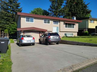 Photo 1: 3858 CHADSEY Crescent in Abbotsford: Central Abbotsford House for sale : MLS®# R2583518