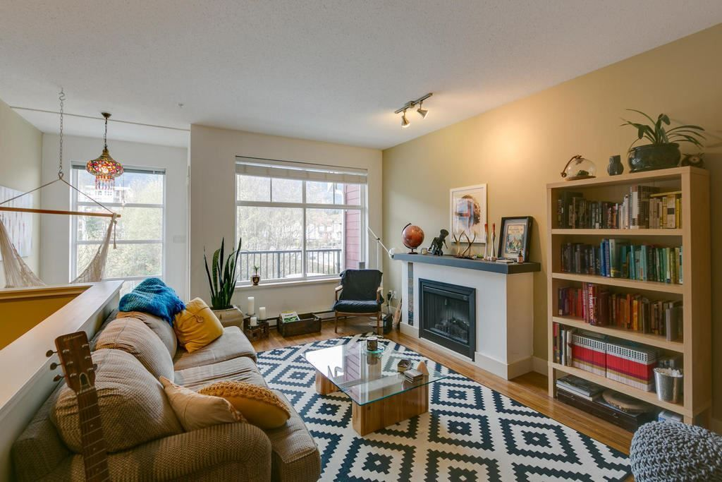 """Main Photo: 37888 THIRD Avenue in Squamish: Downtown SQ Townhouse for sale in """"Artisan"""" : MLS®# R2223819"""
