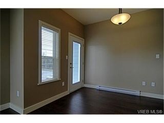 Photo 3:  in VICTORIA: La Langford Proper Row/Townhouse for sale (Langford)  : MLS®# 461580