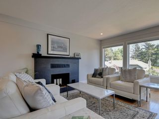 Photo 3: 4790 Amblewood Dr in : SE Broadmead House for sale (Saanich East)  : MLS®# 873286