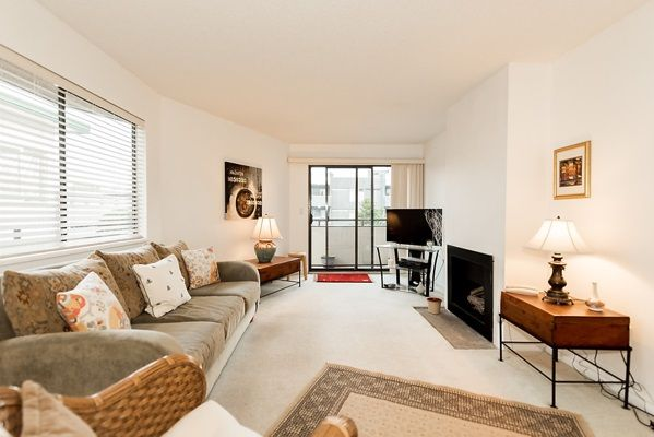Photo 2: Photos: 303 2935 SPRUCE Street in Vancouver: Fairview VW Condo for sale (Vancouver West)  : MLS®# R2131963