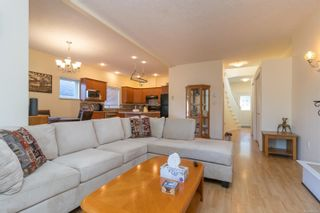 Photo 3: 3442 Pattison Way in : Co Triangle House for sale (Colwood)  : MLS®# 880193