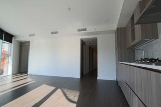 Photo 7:  in Vancouver: Downtown Condo for rent : MLS®# AR118