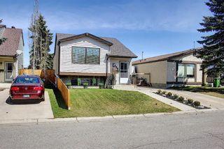 Photo 2: 136 Abingdon Way NE in Calgary: Abbeydale Detached for sale : MLS®# A1097346