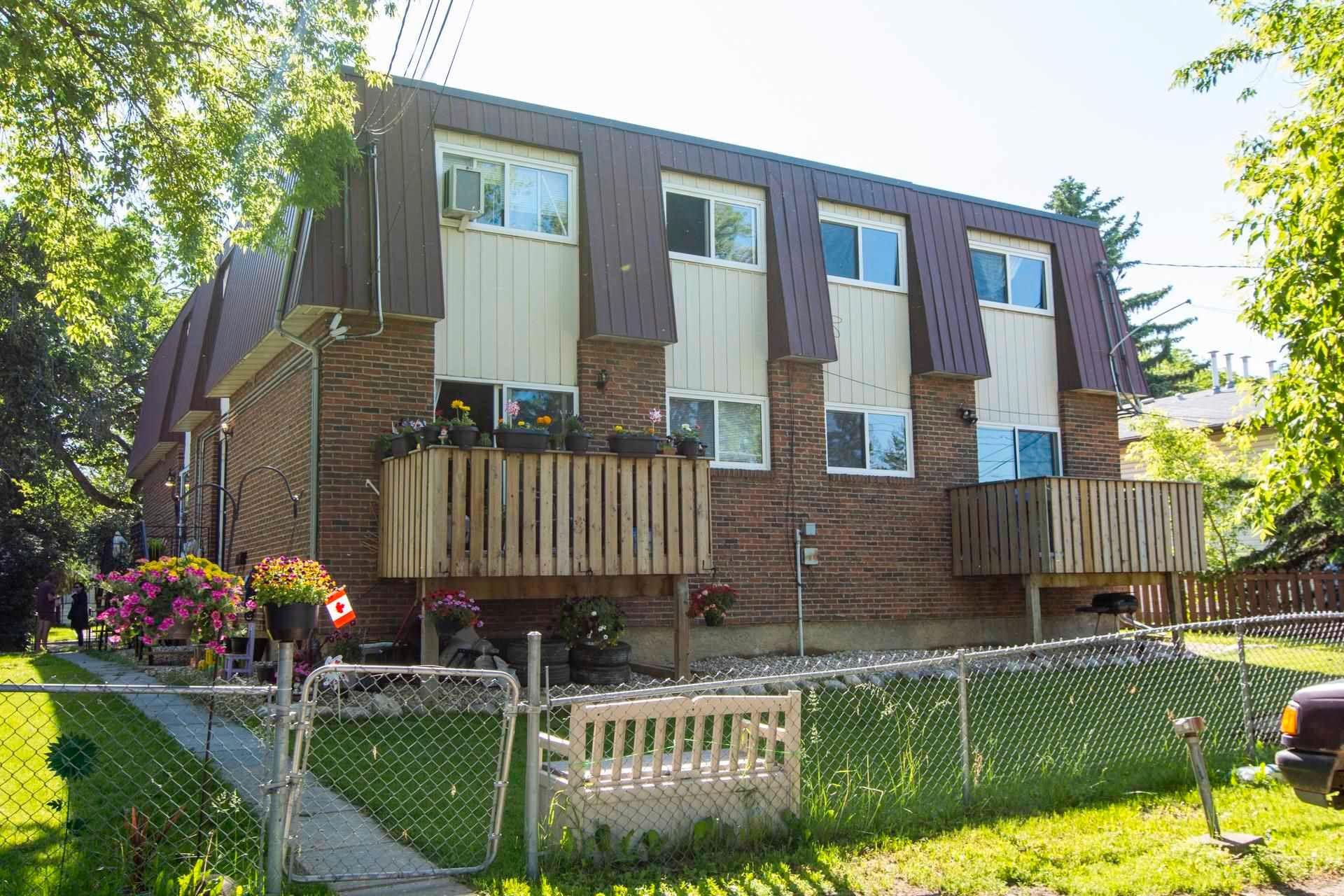 Main Photo: 12014 12018 69 Street in Edmonton: Zone 06 House Duplex for sale : MLS®# E4256064