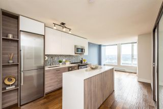 """Photo 2: 1610 550 TAYLOR Street in Vancouver: Downtown VW Condo for sale in """"The Taylor"""" (Vancouver West)  : MLS®# R2251836"""