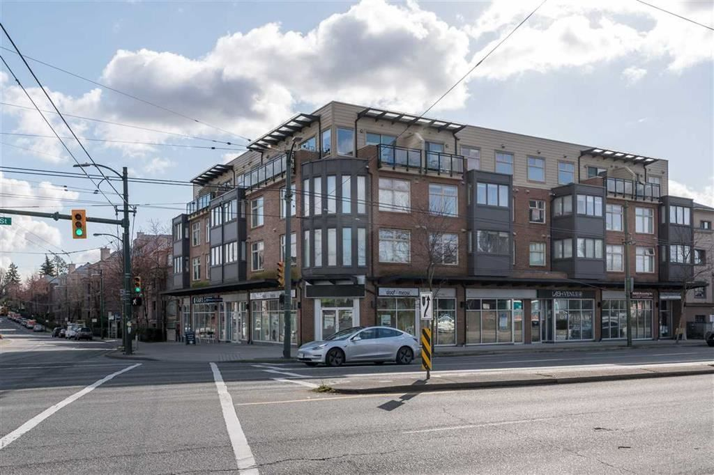 """Main Photo: 303 2408 E BROADWAY in Vancouver: Renfrew VE Condo for sale in """"BROADWAY CROSSING"""" (Vancouver East)  : MLS®# R2463724"""
