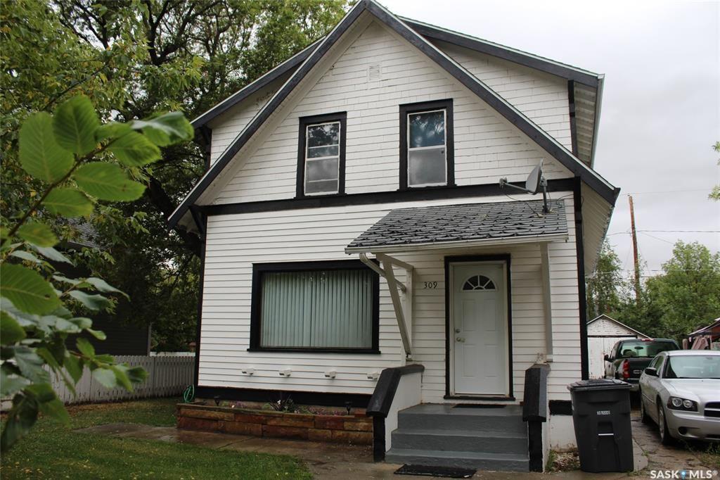 Main Photo: 309 Main Street in Wilkie: Residential for sale : MLS®# SK867683