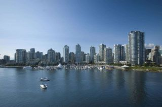 """Photo 39: 1602 1077 MARINASIDE Crescent in Vancouver: Yaletown Condo for sale in """"Marinaside Resort Residences"""" (Vancouver West)  : MLS®# R2592823"""