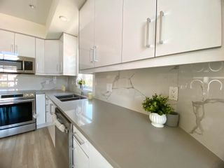 """Photo 4: 5001 CHAMBERS Street in Vancouver: Collingwood VE Townhouse for sale in """"CHAMBERS"""" (Vancouver East)  : MLS®# R2621910"""