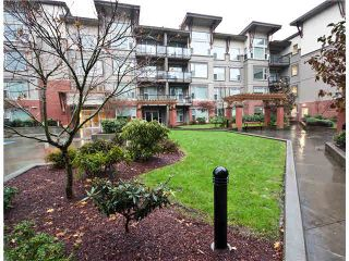 "Photo 2: 119 33539 HOLLAND Avenue in Abbotsford: Central Abbotsford Condo for sale in ""THE CROSSING"" : MLS®# F1430875"