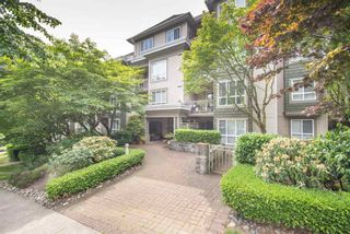 "Photo 2: 206 8495 JELLICOE Street in Vancouver: Fraserview VE Condo for sale in ""RIVERGATE"" (Vancouver East)  : MLS®# R2072919"