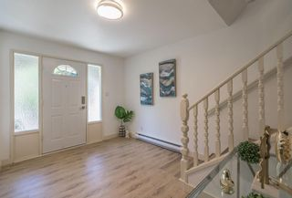 Photo 2: 5558 Kenwill Drive Upper in Nanaimo: Residential for rent