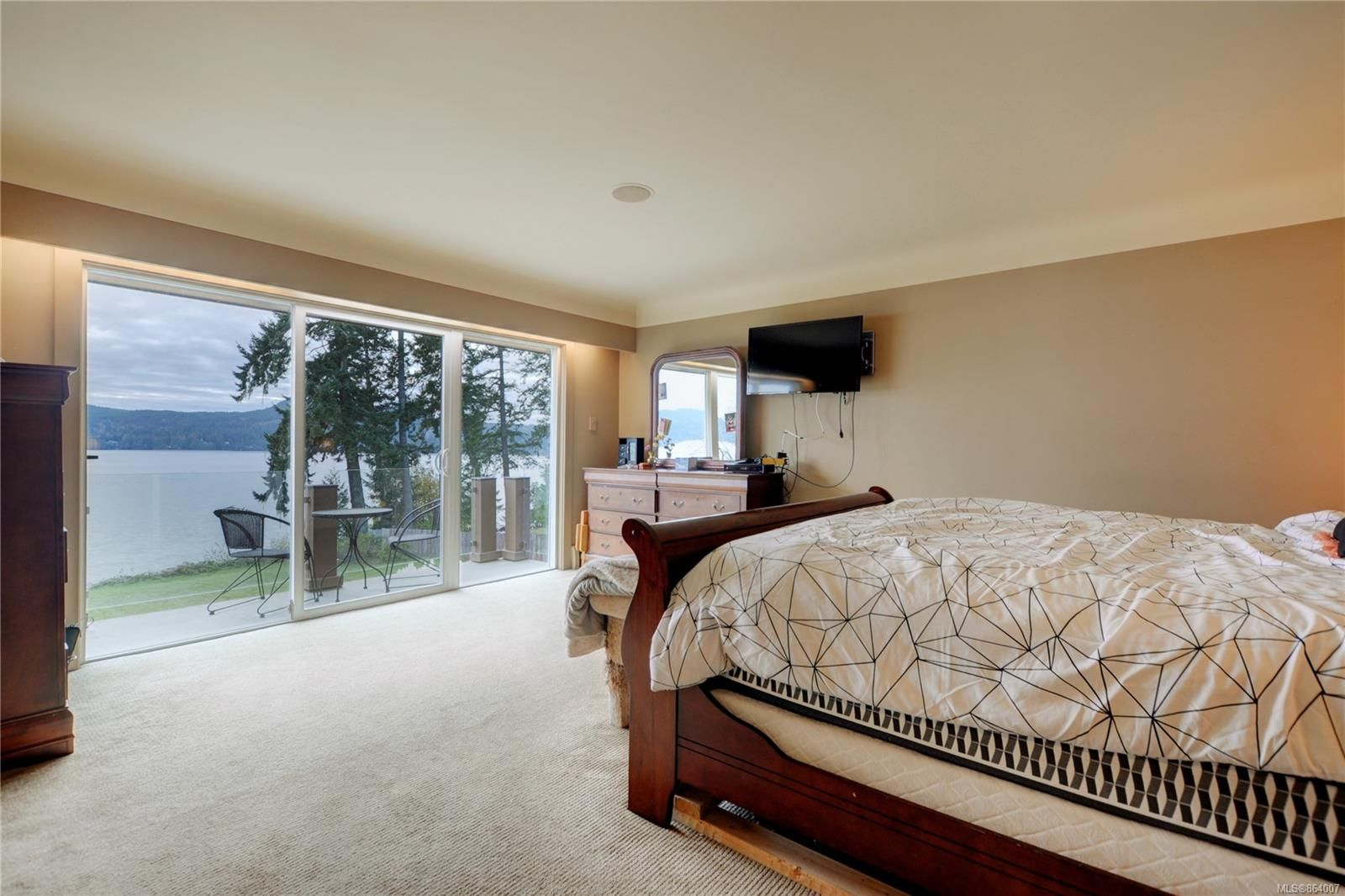 Photo 13: Photos: 5697 Sooke Rd in : Sk Saseenos House for sale (Sooke)  : MLS®# 864007