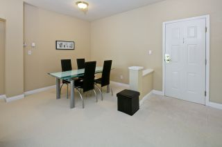 """Photo 6: 212 5835 HAMPTON Place in Vancouver: University VW Condo for sale in """"St. James"""" (Vancouver West)  : MLS®# R2037637"""