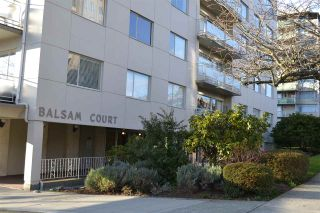 """Photo 1: 706 2409 W 43RD Avenue in Vancouver: Kerrisdale Condo for sale in """"BALSAM COURT"""" (Vancouver West)  : MLS®# R2142014"""