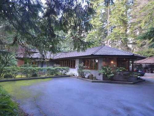 Main Photo: 543 EASTCOT Road in West Vancouver: Home for sale : MLS®# V987621