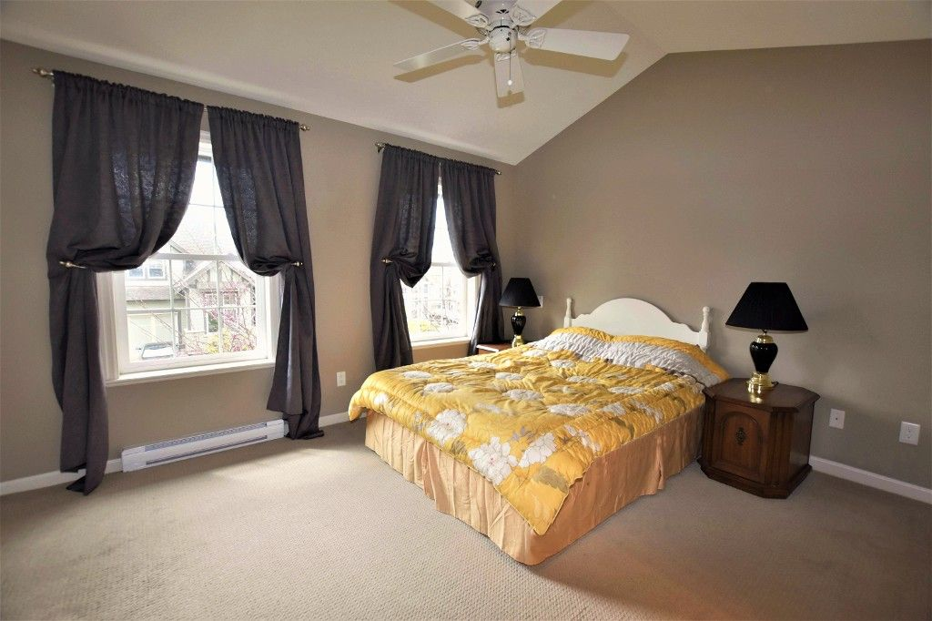 """Photo 9: Photos: 20849 71B Avenue in Langley: Willoughby Heights Condo for sale in """"Milner Heights"""" : MLS®# R2161882"""