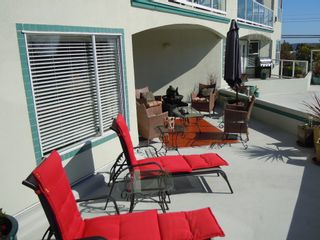 "Photo 18: 15367 Buena Vista Avenue Avenue in White Rock: Condo for sale in ""The ""PALMS"""""