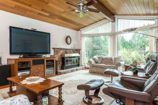 Photo 2: 3325 CARDINAL Drive in Burnaby: Government Road House for sale (Burnaby North)  : MLS®# R2157428