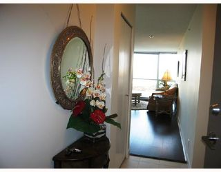 """Photo 2: 903 7555 ALDERBRIDGE Way in Richmond: Brighouse Condo for sale in """"OCEAN WALK"""" : MLS®# V672683"""