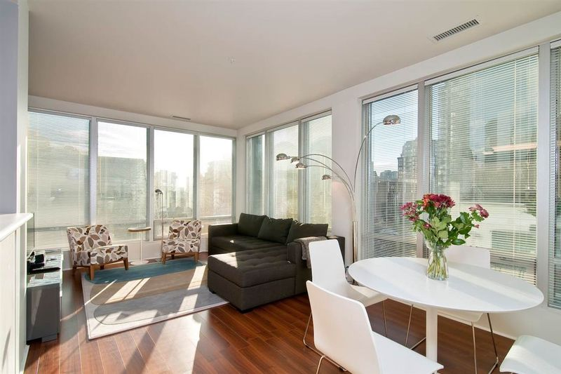 FEATURED LISTING: 401 989 NELSON STREET