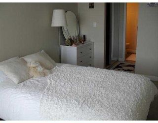 Photo 4: 611 9171 FERNDALE Road in Richmond: McLennan North Condo for sale : MLS®# V793435