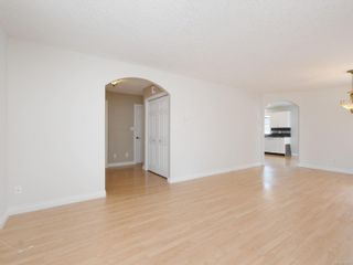 Photo 3: 2 10121 Fifth St in : Si Sidney North-East Row/Townhouse for sale (Sidney)  : MLS®# 873973