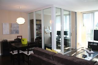 """Photo 8: 506 1009 EXPO Boulevard in Vancouver: Yaletown Condo for sale in """"LANDMARK 33"""" (Vancouver West)  : MLS®# R2206751"""