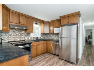 """Photo 13: 14 24330 FRASER Highway in Langley: Otter District Manufactured Home for sale in """"Langley Grove Estates"""" : MLS®# R2518685"""