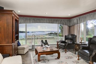 Photo 4: 3565 Beach Dr in Oak Bay: OB Uplands House for sale : MLS®# 865583