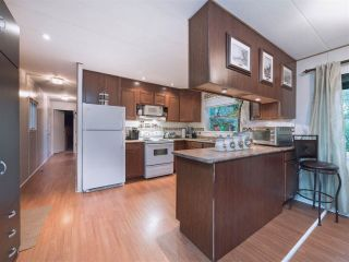 """Photo 3: 8 2306 198 Street in Langley: Brookswood Langley Manufactured Home for sale in """"Cedar Lane Park"""" : MLS®# R2237206"""